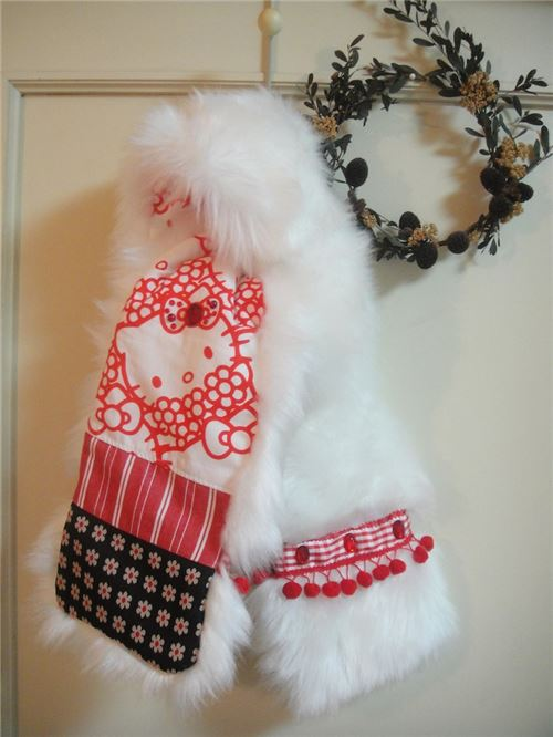 You can learn how to make this scarf!