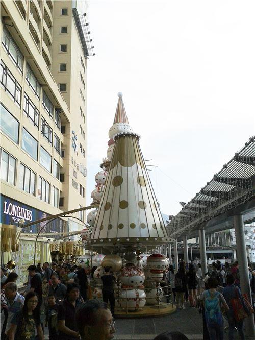 More of the display in Ocean Terminal, Tsim Sha Tsui
