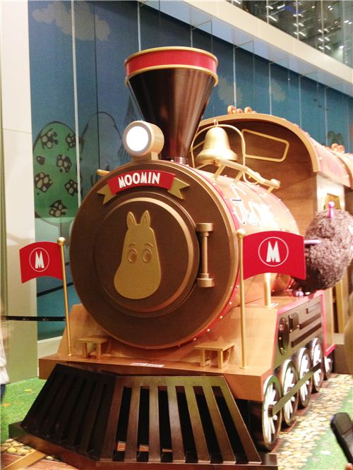 The cute Moomin locomotive of The One x Moomin Summer Train Journey