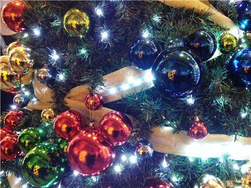 SUper lovely Disney Christmas tree ornaments