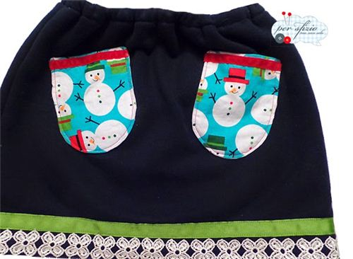Per Sfizio Ma Non Solo made a super cute skirt with a Frozen theme and our sowman fabric