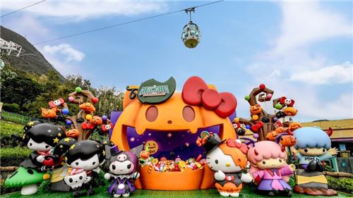 What a gorgeous set! Image courtesy of Ocean Park, Hong Kong