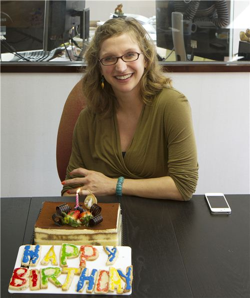 It is Gabis Birthday - we celebrate with cake and cookies
