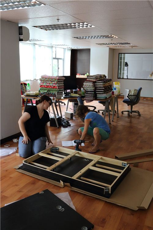 New furtniture has to be build too: Gabi and Bianca are building an IKEA table