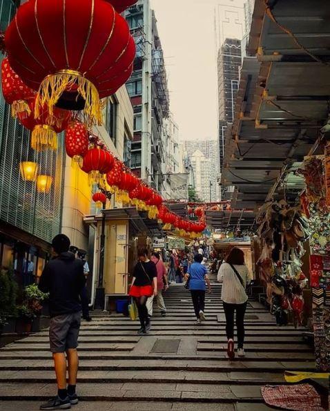 More lantern displays. Photo by Instagram user @tayyongchuen , shared on Instagram page @discoverhongkong