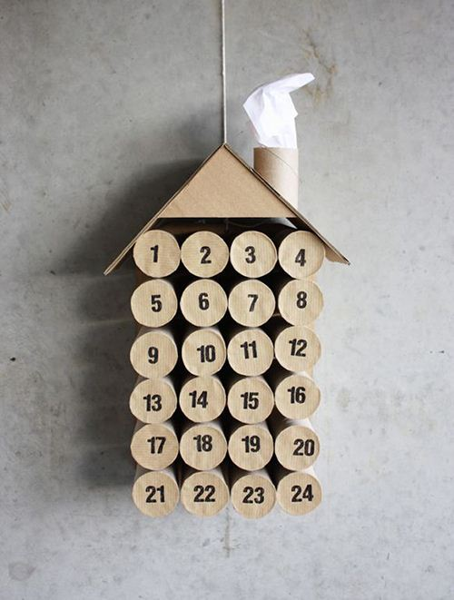 A funny toilet paper DIY Christmas calendar on morningcreativity.com