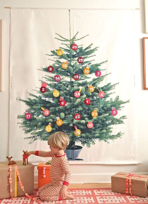 A wonderful fabric Christmas tree calendar on ohhappyday.com