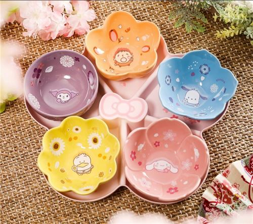 The beautiful bowl set with Sanrio characters!