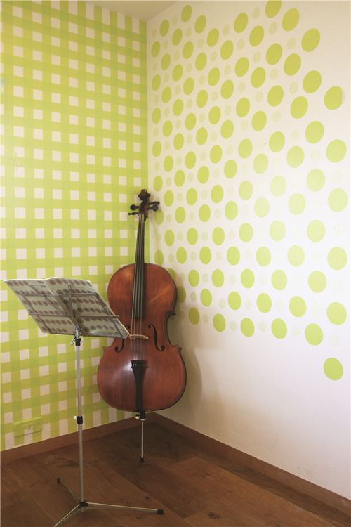 Great spring atmosphere with this lime green tape