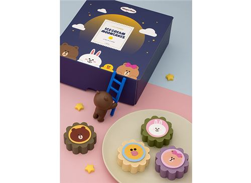 Super kawaii ice-cream Moon Cakes featuring Line characters. Image courtesy of Häagen-Dazs