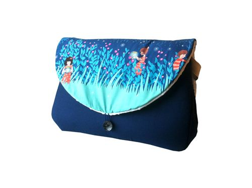 Le Petit Monde de Lilaxel‎ sewed a beautiful diaper bag with our Michael Miller fabric